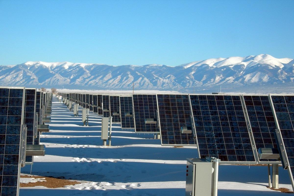 cómo funcionan los paneles solares en invierno